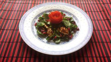 Weihnachtlicher Feldsalat